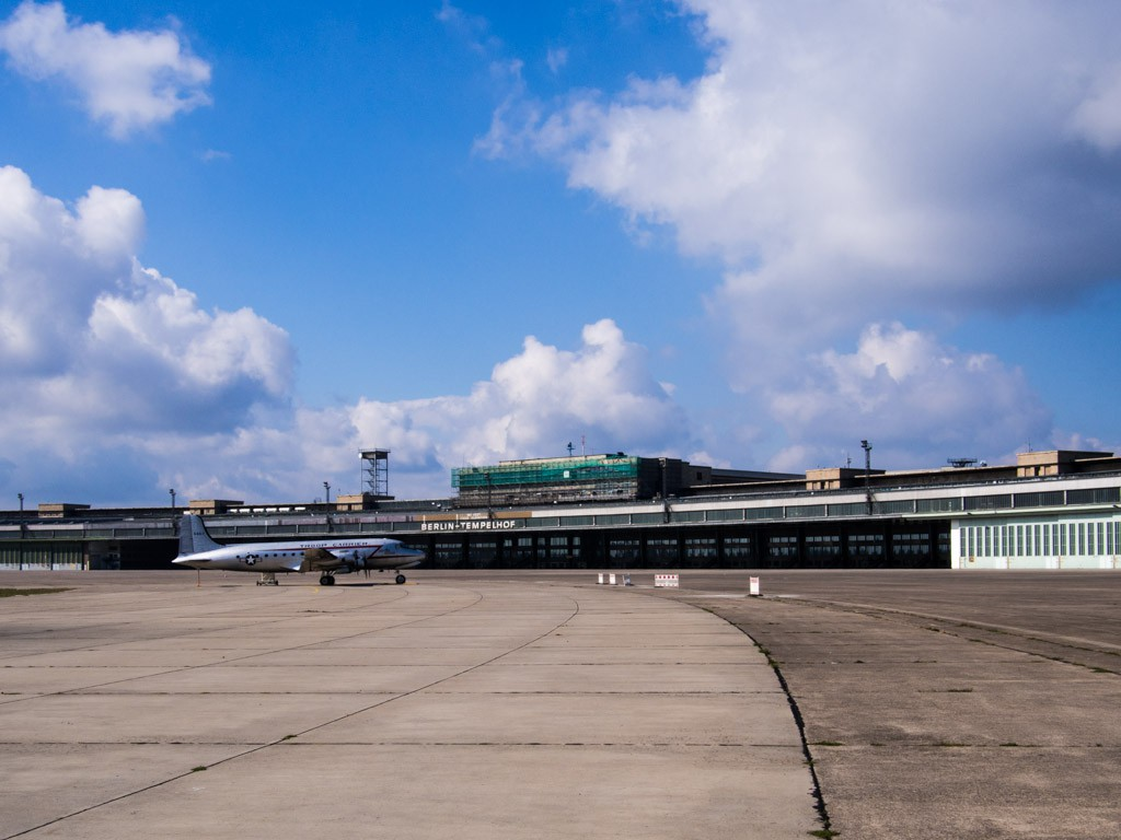 runway at templehof airport berlin
