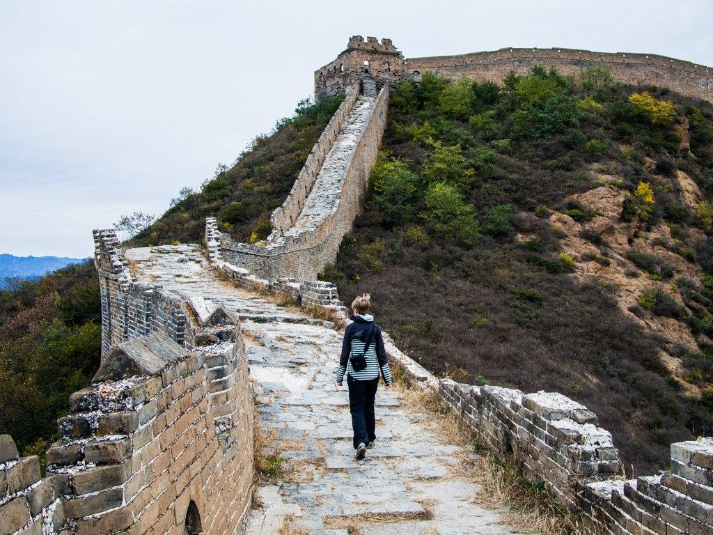 woman walking the great wall of china