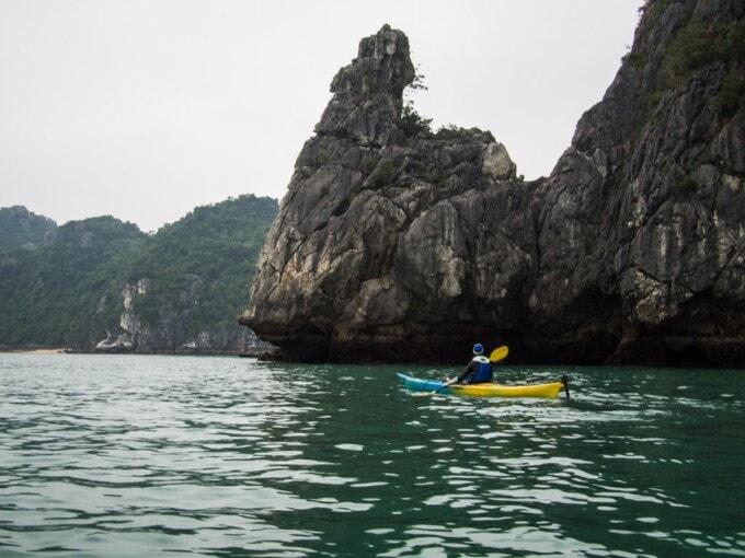 kayaking cat ba island vietnam