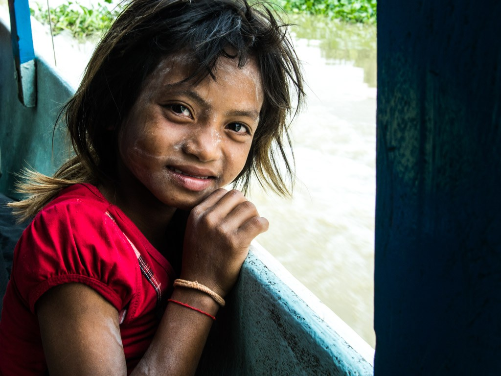 Little girl on the boat to Battambang.