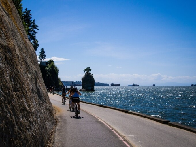 bikes on the stanley park seawall vancouver