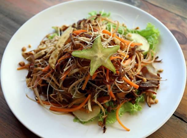 vegetarian fresh salad in hanoi