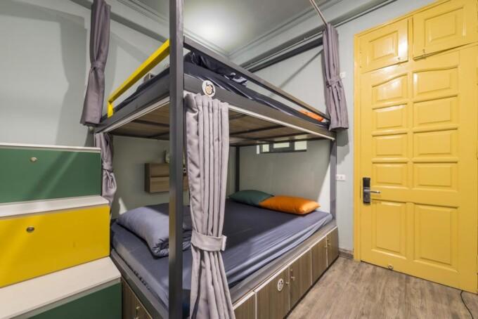 Happy Feet Hostel