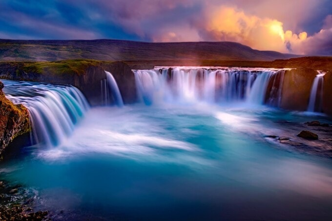 spectacular water in iceland