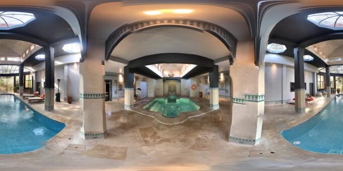 pool and hot tub at hammam la roseraie