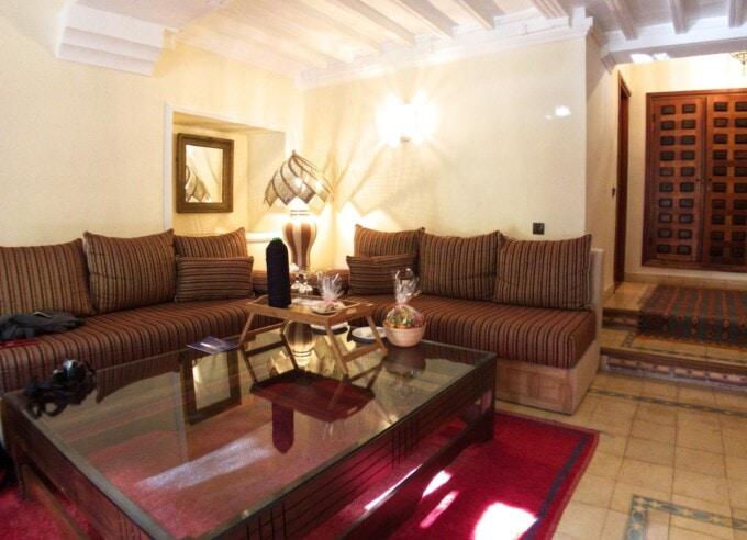 sitting room in our domaine de la roseraie suite