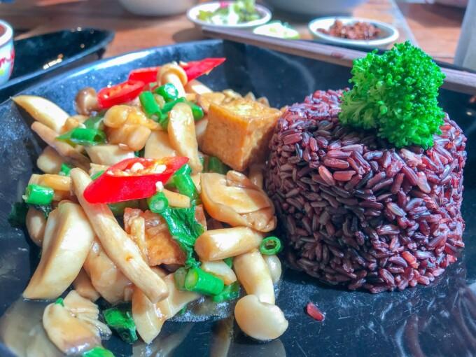 Bangkok vegan mushroom stir fry