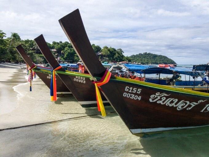 itinerary 2 weeks thailand koh lipe boats