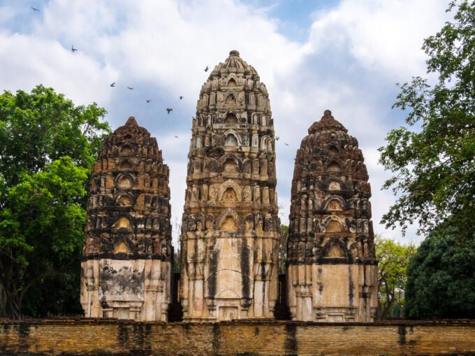 temples in sukhothai thailand