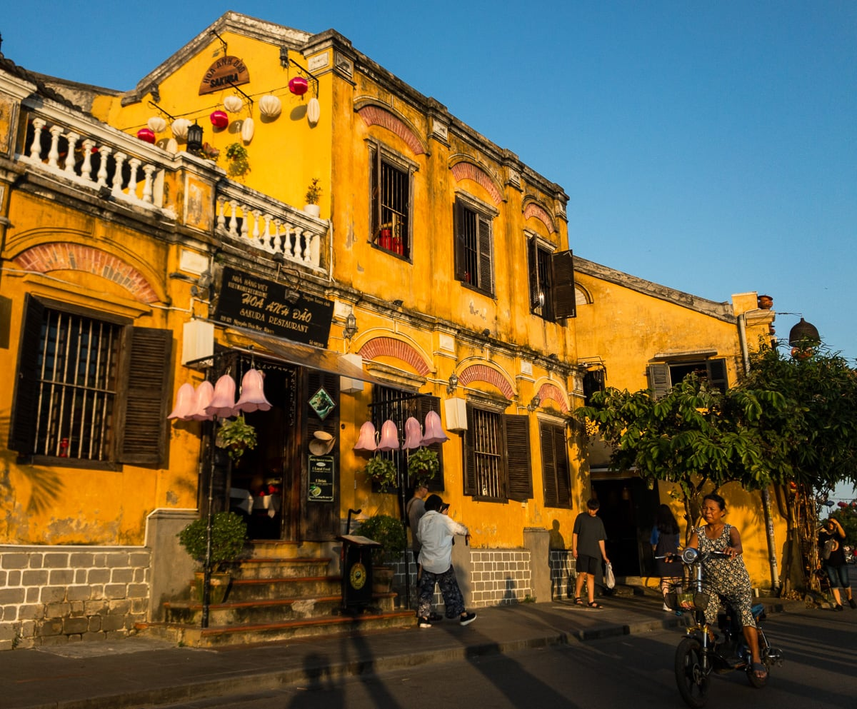 yellow old house in hoi an