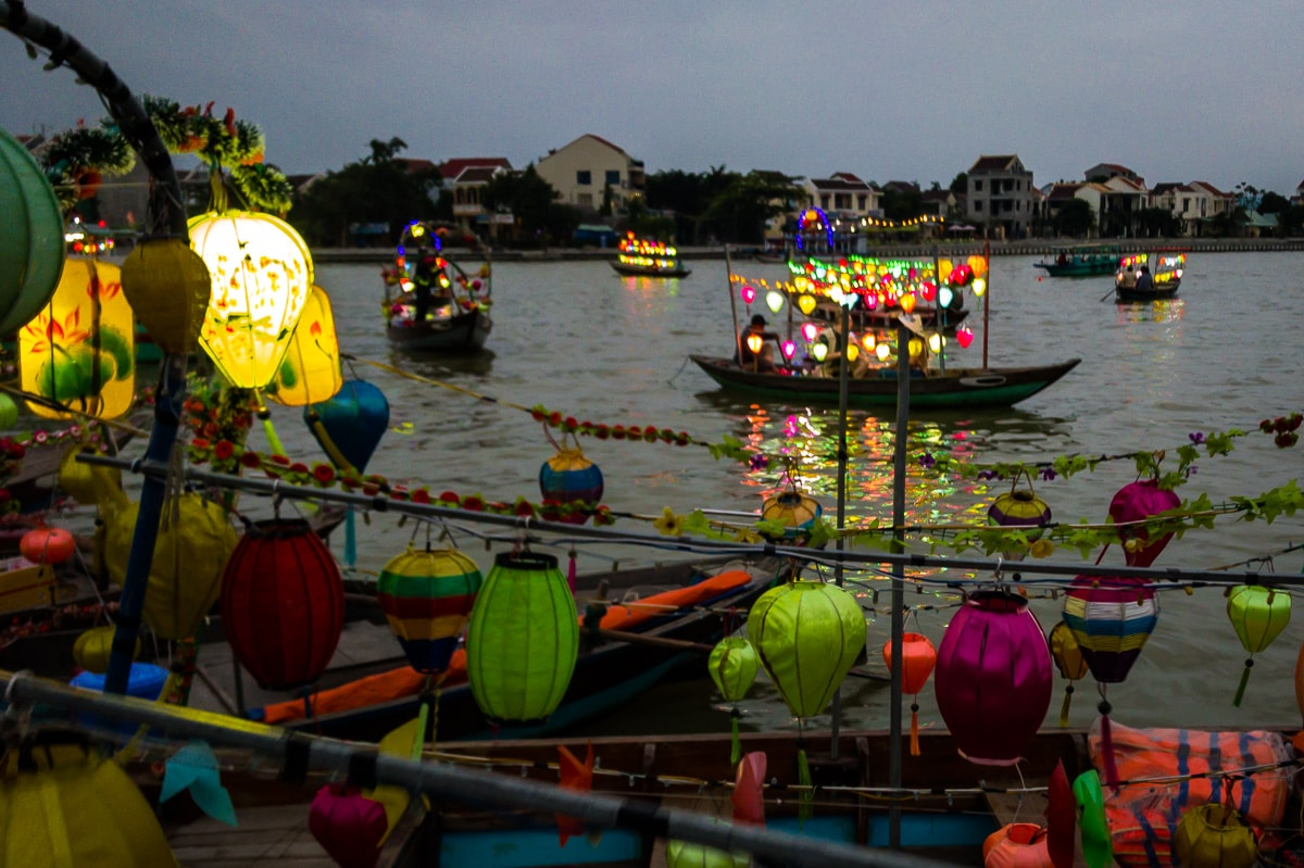 boats on the hoi an river