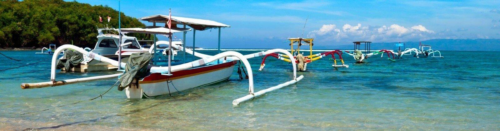 boats off of gili islands