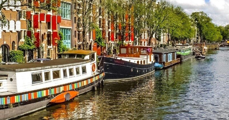 amsterdam canal boats europe