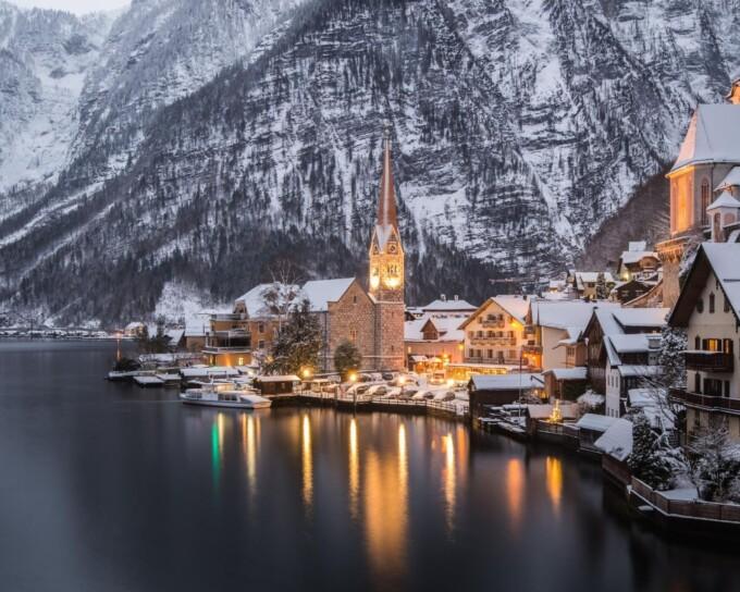 hallstatt austria in winter