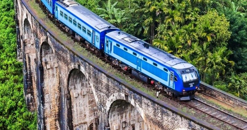 sri lanka train on trestle
