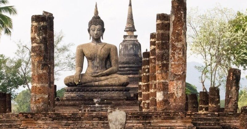 sukhothai temples thailand