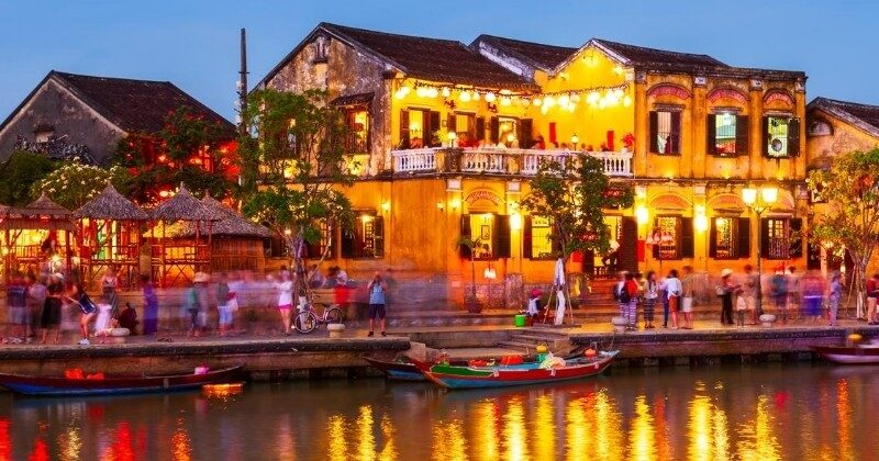 hoi an vietnam at night