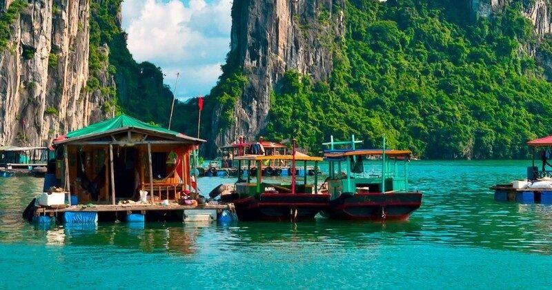 floating houses in vietnam